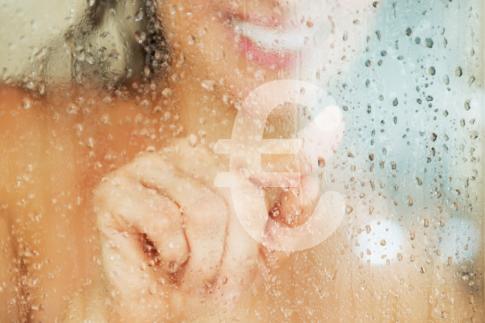Douchen kost geld, zacht water drukt de kosten.